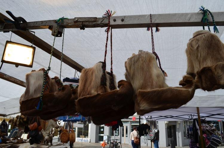 Botinhas viking nas bancas da feira